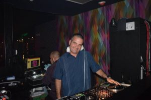 DJ Freddy, dj facebook groups, mobile dj groups, club dj groups,